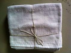 4 Serviettes de table anciennes damassé coton teintées gris perle