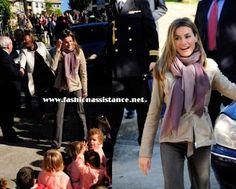 La Princesa Letizia, con un look muy casual, visita Asturias