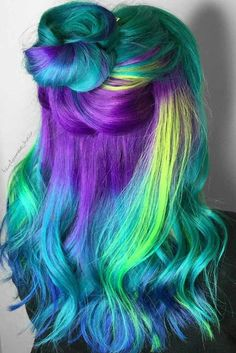 Fabulous Purple and Blue Hair Styles Purple and blue hair hair styles are all the rage, especially now when the hot season is approaching and we wish to experiment with the hair color. Neon Hair, Purple Hair, Pelo Multicolor, Dyed Hair Pastel, Coloured Hair, Mermaid Hair, Crazy Hair, Dyed Hair, Auburn Hair