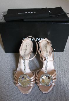 CHANEL AMAZING PINK SATIN CRYSTAL EVENING HEELS HOES 39 1/2 39 #CHANEL #StrappyAnkleStraps