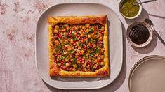 Caramelized Onions, Bon Appetit, Vegetable Pizza, Vegetable Recipes, Cooking Recipes, Snack Recipes, Gf Recipes, Tart Recipes, Appetizer Recipes