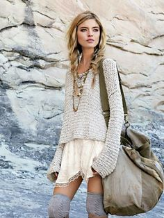 If you do in fact also long being a hippies goddess, make sure you know most of the regulations and magnificence information on how to put on the boho-chic style development! Hippie Mode, Mode Boho, Fashion Moda, Look Fashion, Womens Fashion, Fall Fashion, Hippie Fashion, Teen Fashion, Nomad Fashion