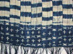 Detail of Senegal resist dyed cloth, Museum Aan Der Strrom, Antwerp. AE.1955.0037.0006 1938doek (object)katoen lengte: 205 cm breedte: 130 cm