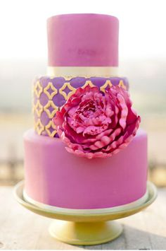 Pink and gold wedding cake inspired by these colors! Wedding Cake Intricate peach sugar flowers and blue berries. This is such a fresh color. Gorgeous Cakes, Pretty Cakes, Cute Cakes, Amazing Cakes, Cupcake Torte, Purple Cakes, Pink Purple, Hot Pink, Bright Pink