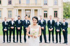 Bruidsfotografie Haarlem Orangerie Elswout Bruid groepsfoto. Bride with groomsmen