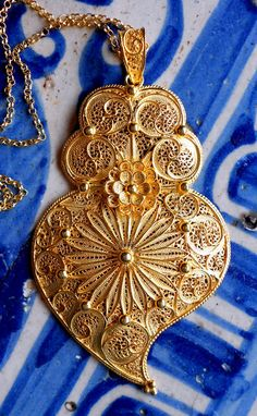 Portugal HUGE Filigree Handmade Heart of Minho Viana Pendant Necklace - Sterling Silver in Gold Bath - made in Porto or Minho, Folklore, Portuguese Culture, Portugal Travel, Belle Photo, Bellini, Jewelery, Pendant Necklace, Beautiful