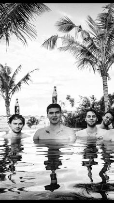 Find images and videos about 5 seconds of summer and luke hemmings on We Heart It - the app to get lost in what you love. Calum Hood, Calum Thomas Hood, Michael Clifford, Michael Jackson, 5 Seconds Of Summer, 5sos Wallpaper, 5sos Memes, 5sos Funny, 5sos Pictures