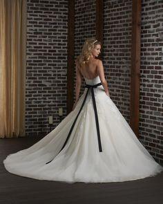 335 - Bonny - Collections | Bonny Bridal