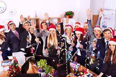 Weihnachtsfeier in München - Die Weihnachtszeit rückt immer näher, und somit auch die nächste Weihnachtsfeier. Alle Jahre wieder stellt sich so dieselbe Frage: Wo kann ich Weihnachten am besten verbringen? München bietet hier facettenreiche Möglichkeiten. Vom elegant Essen gehen bis hin zum besinnlichen Weihnachtsmarkt. Aber...