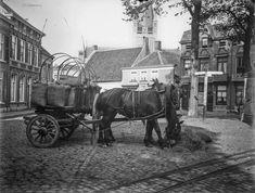 Breda De Ginnekenmarkt omstreeks 1905 met op de achtergrond de toren van de St. Laurentiuskerk
