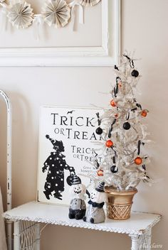 #EclecticallyFall halloween vignette and little tree