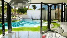 Terraza y área de piscina.
