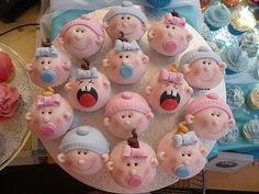 What a cute idea for cupcakes for a baby shower!