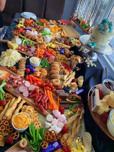 grazing table for kids/teenagers party. Party Food Platters, Cheese Platters, Fast Food Items, Kid N Teenagers, Teenage Parties, Grazing Tables, Charcuterie Board, Places To Eat, First Birthdays