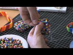 Armbånd af HAMA rørperler - YouTube