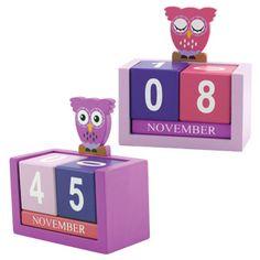 50 Creative DIY Calendar From Wooden Design Ideas Wooden Calendar, Diy Calendar, Calendar Design, Desk Calendars, Desktop Calendar, Wall Letter Decals, Glass Block Crafts, Family Planner, Diy Gifts For Dad