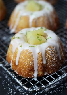 Inspired by a favorite cocktail, these mini pineapple lime mojito cakes are sweet, soft and the perfect blend of tropical flavors. They will have you spinning! Cupcake Recipes, Baking Recipes, Cupcake Cakes, Dessert Recipes, Mini Bunt Cake Recipes, Muffin Cupcake, Kitchen Recipes, Köstliche Desserts, Delicious Desserts