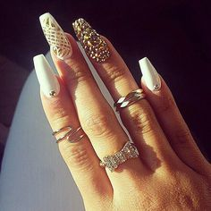 how to do your own nails stiletto nails Sexy Nails, Dope Nails, Fancy Nails, Stiletto Nails, Nails On Fleek, Coffin Nails, Glam Nails, Classy Nails, Acrylic Nails