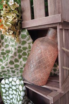 Διακοσμήστε γωνίες του σπιτιού με φθινοπωρινά μπουκάλια και συνδυάστε τα με τελάρα ή καλάθια.  #φθινοπωρινηδιακοσμηση #διακοσμηση2019 #ιδεεςδιακοσμησης #φθινοπωριναδιακοσμητικα #φθινοπωρινοντεκορ #φθινοπωρο #falldecor #falldecorating #falldecorideas #diyfalldecor #diyhomedecor #autumndecor #autumnalhome #autumndecorations #indoorautumndecorations #diyhomedecor #diyhomedecorideas #barkasgr #barkas #afoibarka #μπαρκας #αφοιμπαρκα #imaginecreategr