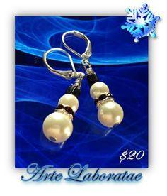 Christmas Snow Men Earrings with Swarovski Beads - by Arte Laboratae, Katalin KB Walcott