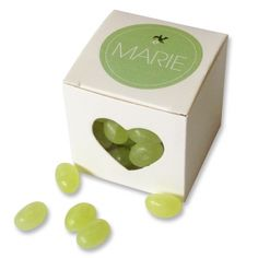 Cute little box with heartshaped cutout. Perfect as gift for guests at a babyshower #doopsuiker #bedankje