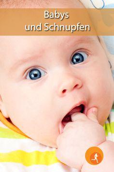 Etwa im Alter von einem halben Jahr bis neun Monaten bekommt ein Baby die ersten Zähne – die sogenannte Zahnung beginnt. Bei einigen Kindern kann es dabei zu Beschwerden kommen, die man zwar nicht vorbeugen, aber doch lindern kann. Alter, Children, Babys, Kids, Young Children, Babies, Boys, Baby, Infants