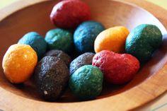 still parenting: Homemade crayon rocks