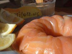 ciboulette, citron, fromage frais, oeuf, saumon fumé, huile d'olive, beurre, aneth, saumon frais, cerfeuil