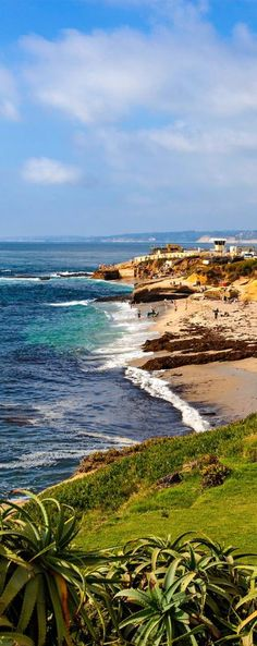 Beautiful photo of the Pacific Coast in La Jolla in San Diego