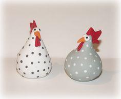 poules en fimo (environs 7/8 cm de haut)