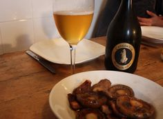 This beer is from Valladolid and is a blonde ale, refreshing and classy. With wild mushrooms it is near perfect!