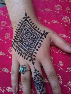 by heartfire, via Flickr #mehndi #henna Henna Designs Easy, Mehandi Designs, Mehandi Henna, Henna Tattoos, Henna Tree, Moroccan Henna, Henna Plant, Black Henna, Mehndi Images