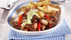 serbian boiled beef and horseradhish Boiled Beef, Grilled Peppers, Pot Roast, Beef Recipes, Recipies, Food And Drink, Healthy Eating, Favorite Recipes, Carne Asada