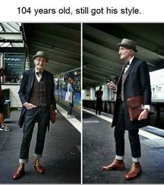 Men: meet your new style icon. This photo of a man (name currently unknown) has been making the rounds online, thanks to his perfectly hipster outfit. Casual Mode, Funny Memes, Hilarious, Wholesome Memes, Faith In Humanity, Mode Outfits, Looks Cool, My Guy, Mode Style