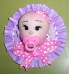 Lembrancinhas para bebes, podem ser alterados cores de pele, olhos, chupeta,laço e plaquinha de fundo. Embalados individualmente em saquinhos de celofane com cartãozinho personalizado R$ 4,50