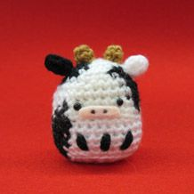 "Cow Amigurumi - Free Japanese Chart - PDF FIle- Click picture or ""AMU-141-2 丑"" here: http://www.amuuse.jp/topics/eto/2012/daruma/index.html"