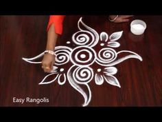 Simple Rangoli Border Designs, Easy Rangoli Designs Diwali, Rangoli Simple, Indian Rangoli Designs, Rangoli Designs Latest, Rangoli Designs Flower, Free Hand Rangoli Design, Small Rangoli Design, Rangoli Patterns