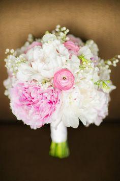 Photographe:Kina Wicks Photography  http://lamarieeencolere.com/tagged/Bouquet-mariage