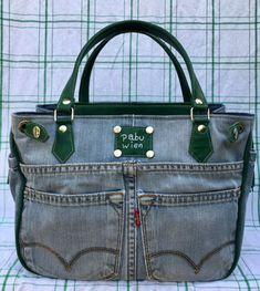 12 Handmade Bags You'll Fall in Love With Diy Jeans, Leather Bags Handmade, Handmade Bags, Blue Jean Purses, Denim Earrings, Diy Bags Purses, Denim Tote Bags, Balenciaga City Bag, Large Bags