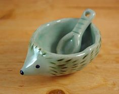 Hedgehog condiments dish with spoon ceramic small gift animal plate salt sugar mustard dish celadon colour pottery tableware kitchen storage