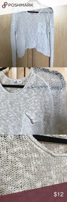 Hollister Light sweater Light, cream sweater from Hollister. Great condition! Size is XS/S. Goes with outfits in every season! 20% off any bundle of 2 or more items in my closet! Hollister Sweaters Crew & Scoop Necks