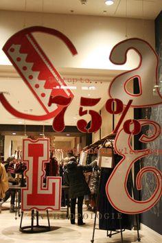 http://thewindowdisplayblog.files.wordpress.com/2011/01/anthrolpologie-sale.jpg