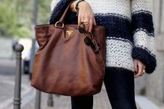 brown prada bag looks sweet! Prada Bag, Prada Handbags, Big Handbags, Handbags Online, Fashion Bags, Love Fashion, Womens Fashion, Diy Fashion, Black Gucci Purse