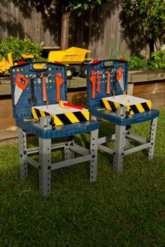 Hammering Station: Cheap $12 toy tool benches from Kmart with a block of polystyrene foam. Kids were given toy hammers and golf tees to hammer into the foam blocks. A fun way for the budding builders to be on the tools, without the risk of hurting themselves with real hammer & nails!