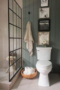 Unique, Warm Master Bathroom Reveal, bathroom with gray ship.- Unique, Warm Master Bathroom Reveal, bathroom with gray shiplap and walk in shower Source by friedegundescho - Diy Bathroom, Bathroom Renos, Grey Bathrooms, Beautiful Bathrooms, Bathroom Interior, Warm Bathroom, Shower Bathroom, White Bathroom, Colorful Bathroom