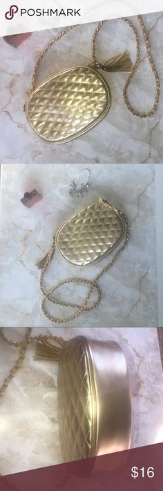"""6c0c0cf874b5 Gold quilted crossbody purse Gold quilted crossbody purse Tassel zipper  pull 9"""" x6.5"""