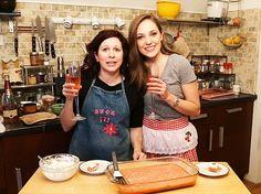 Kirsten Wyatt & Laura Osnes whip up a delicious dessert on Broadway Nosh