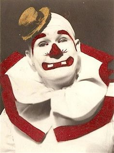 http://WhoLovesYou.ME | #clowns Bobo's early, Felix Adler-inspired whiteface…