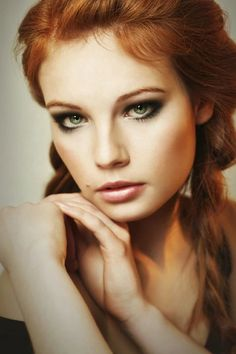 ideas wedding makeup natural freckles red hair for 2019 Beautiful Red Hair, Gorgeous Redhead, Beautiful Eyes, Beautiful Women, Beautiful People, Red Hair Woman, Woman Face, Ginger Girls, Natural Redhead
