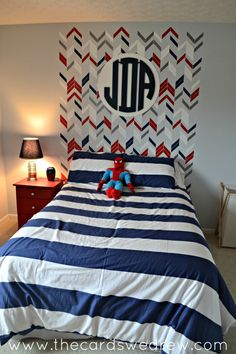 Red, white and blue big boy room with stenciled headboard - #munire #pinparty #MadeInUSA